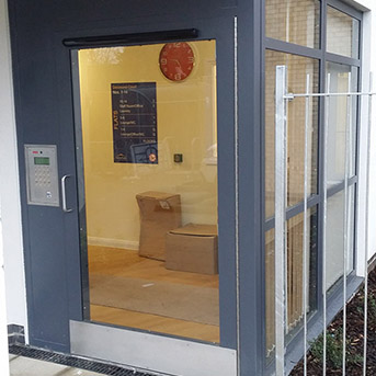 COMMUNAL ENTRANCE DOOR SET WITH INTERCOM AND ACCESS CONTROL. SBD PAS24