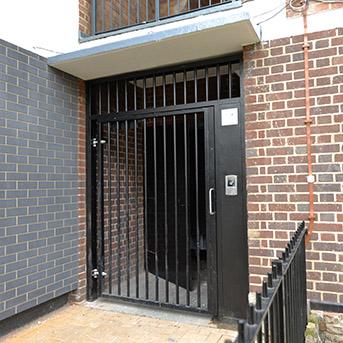PUBLIC ACCESS GATE FABRICATED IN STEEL