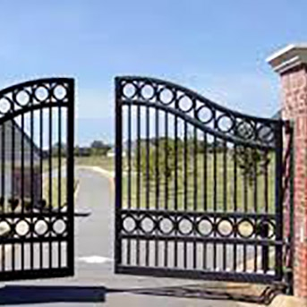 HIGH CLASS ELEGANT STEEL HOUSE GATES INSTALLED IN HERTFORDSHIRE